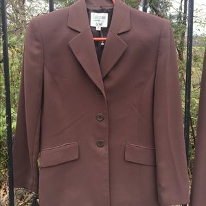 Collection for LeSuit  taupe size 8 Pristine suit